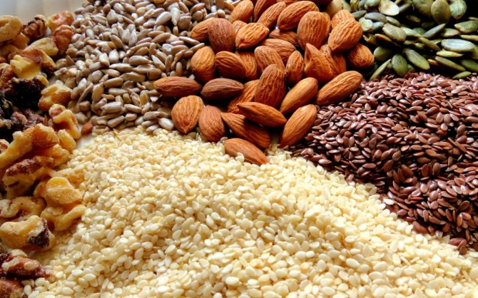Best Nuts And Seeds For Building Muscle